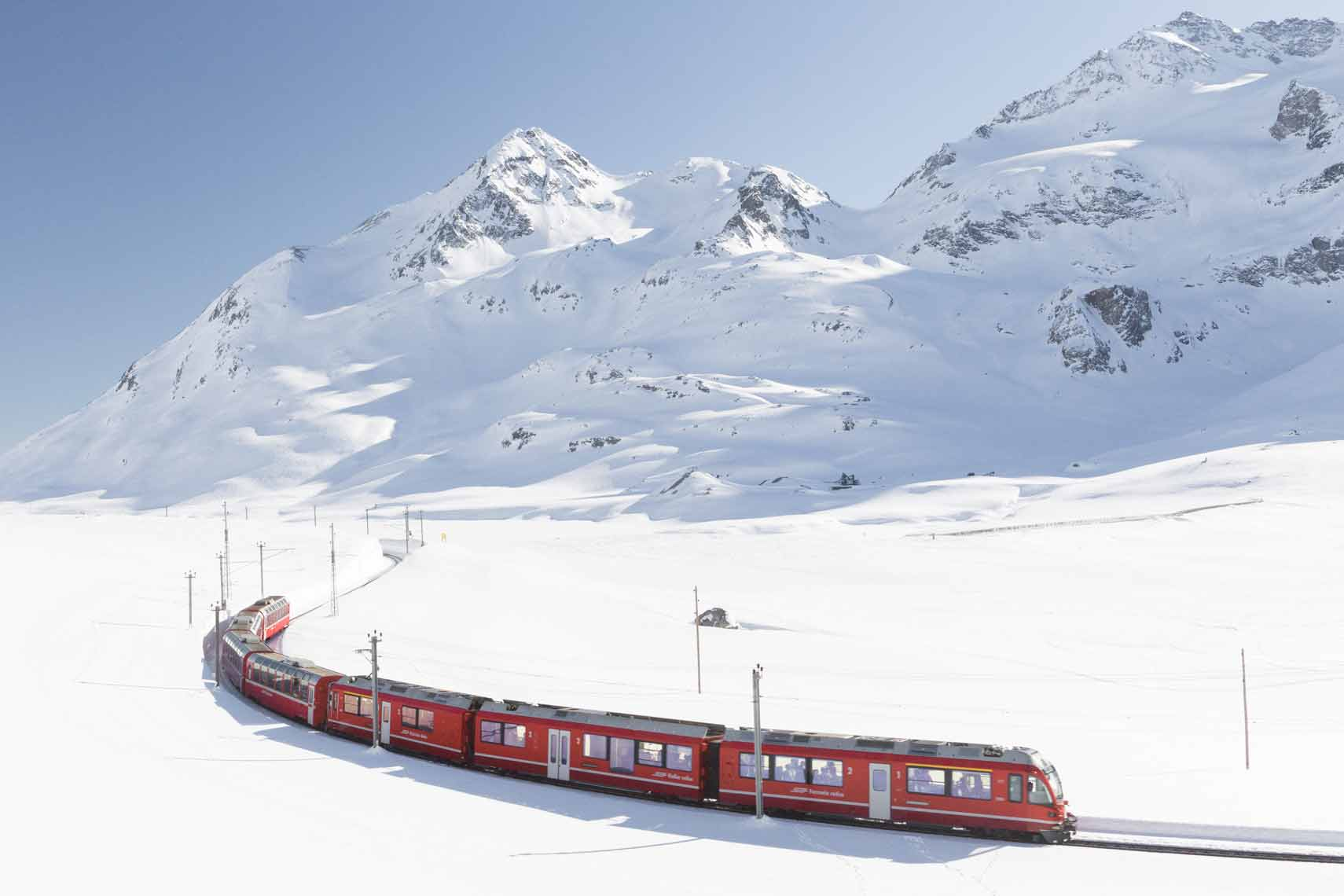 Zugreise durchs Schweizer Wintermärchen mit dem Glacier Express nach Zermatt